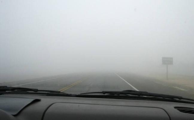 Consejos de la DGT para conducir con lluvia o niebla en otoño