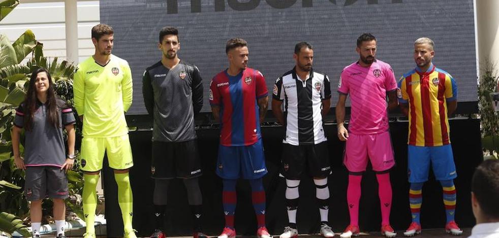 Presentadas las nuevas equipaciones del Levante UD