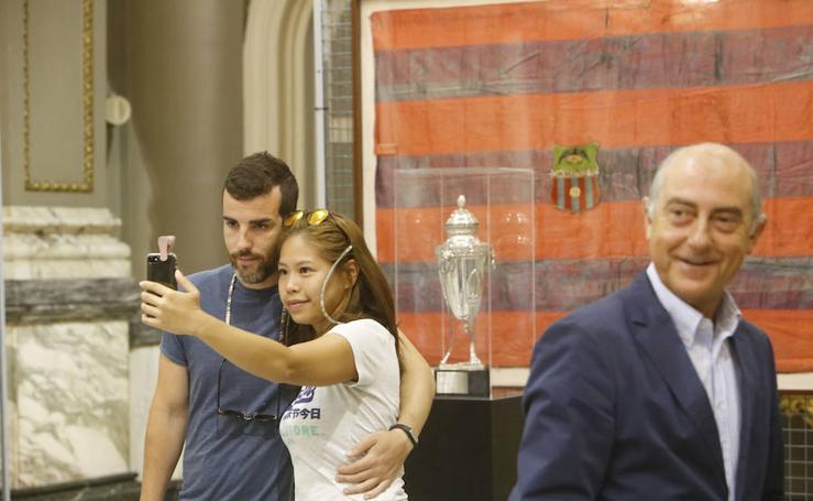 Fotos de la Copa de la República del Levante U.D. en el Ayuntamiento de Valencia