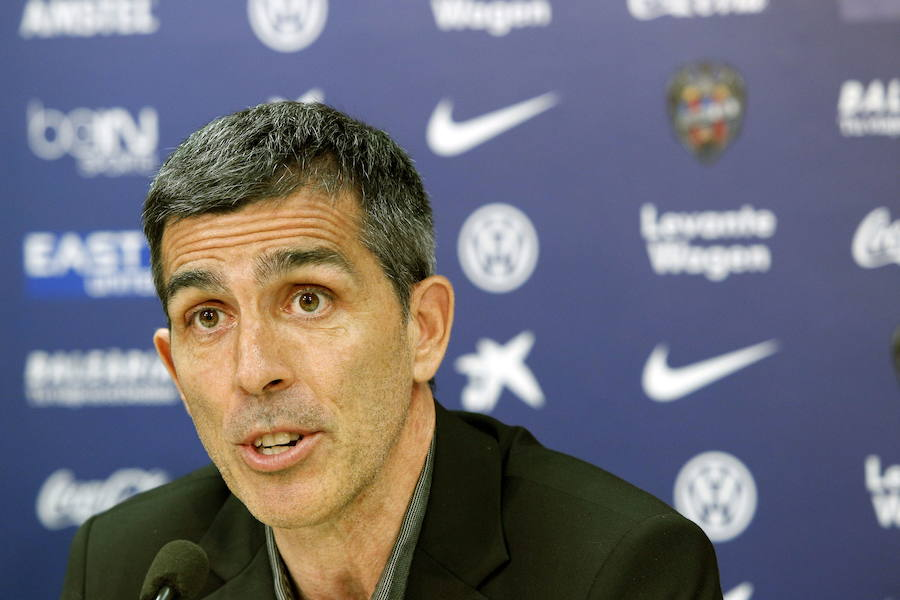 Levante UD | Muñiz: «El equipo está rindiendo a muy buen nivel y, si tocas algo, puede salirte bien o mal»