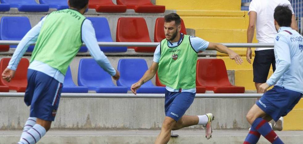 Iván López será operado el martes de la rotura del ligamento cruzado