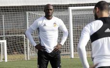 Valencia CF | Eliaquim Mangala, en la ciudad deportiva de Paterna