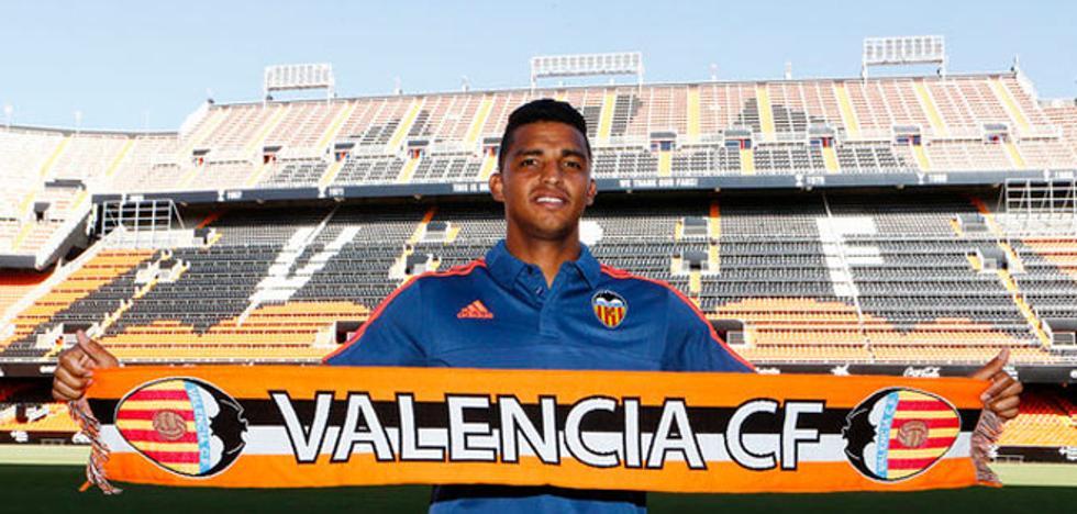 El Valencia CF negocia con el Olympiacos por Aderllan Santos