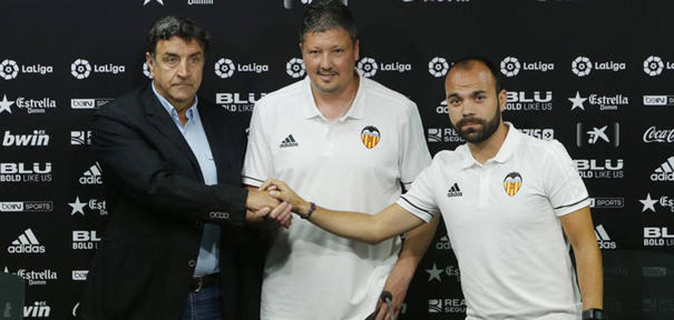 Valencia CF | Luboslav Penev: «No descarto entrenar a un equipo de Primera algún día»