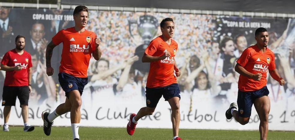 Valencia CF | Santi Mina se queda fuera de la gira norteamericana por una sobrecarga muscular
