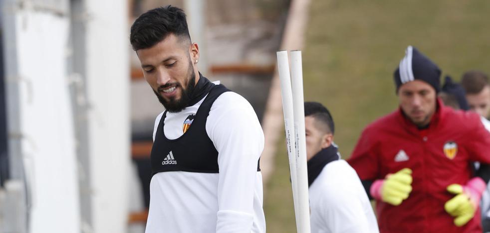 Valencia CF | Garay enciende todas las alarmas