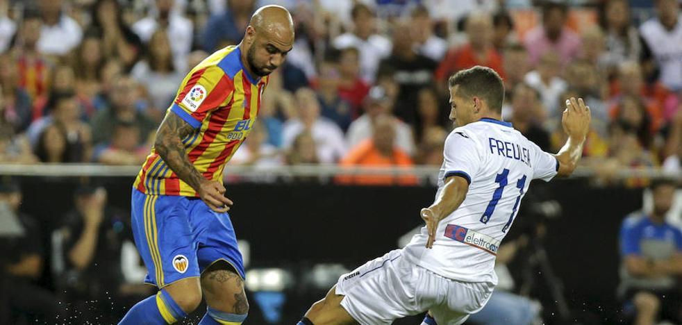 El Valencia CF sale derrotado de Mestalla el día de su presentación