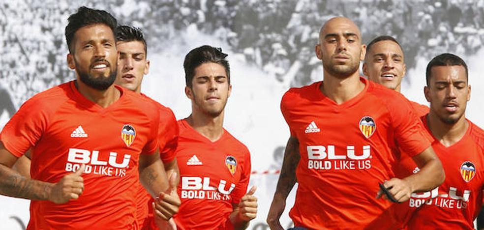 Valencia CF | Garay regresa a los entrenamientos a la espera de resolver su futuro