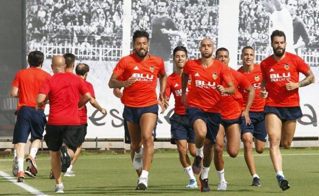 El Valencia saca a subasta a Garay