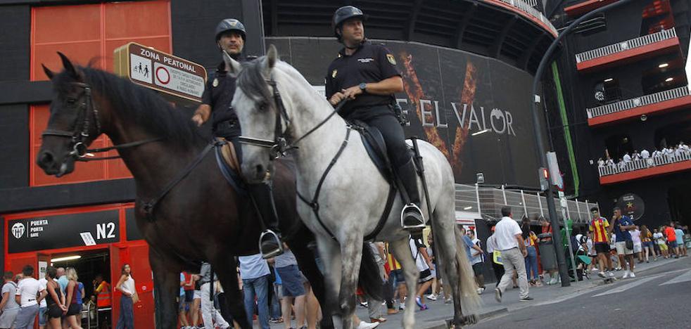 Valencia CF | La policía bloquea la entrada al tráfico a Mestalla