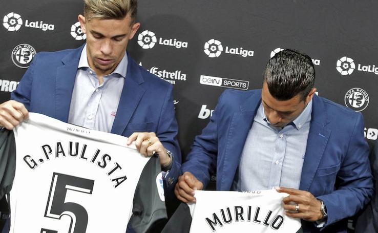 Fotos de la presentación de Murillo y Gabriel Paulista en el Valencia CF