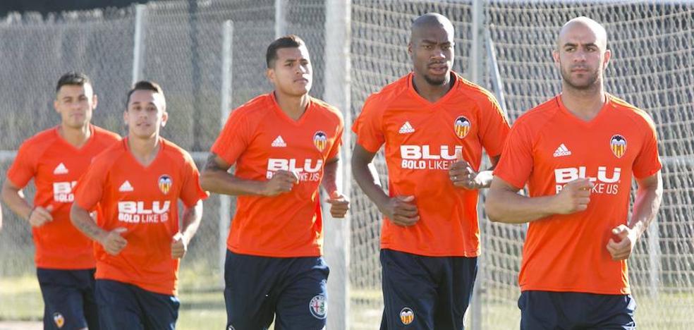 Valencia CF | Kondogbia ya es uno más y Gayà no sale con el grupo