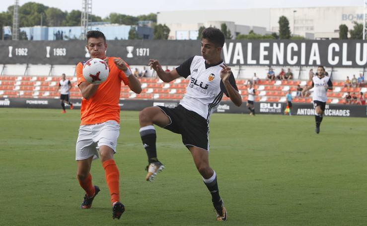 Fotos del Valencia Mestalla - Peralada
