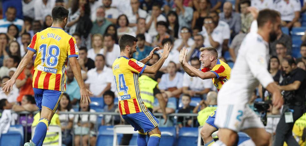 El Valencia CF encadena seis visitas marcando en el Bernabéu