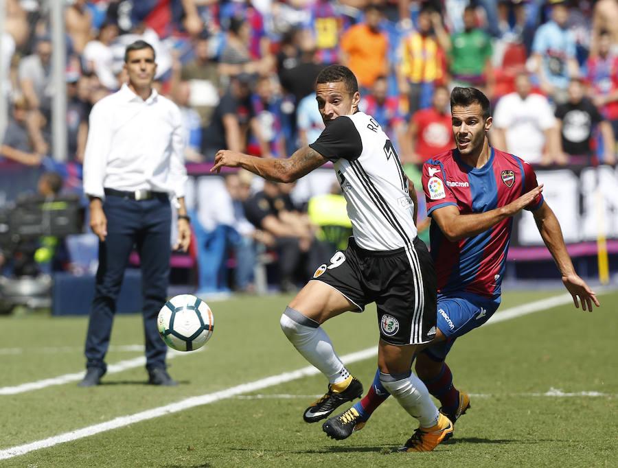 Fotos del partido entre el Levante UD y el Valencia CF