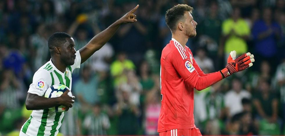 Marcelino, al banquillo, tras el gol de Santi Mina: «¡Ahora portería a cero, a cero!»