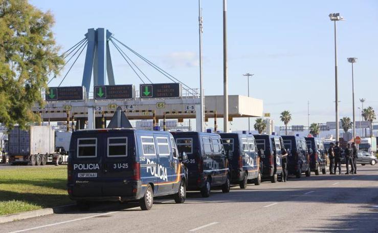 Fotos de la huelga de estibadores en el Puerto de Valencia