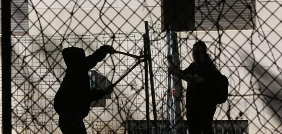 La Universitat de Valencia fía ahora a otra reunión el desalojo del Luis Vives