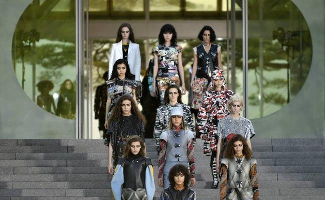 Protestan ante Louis Vuitton por despedir a una modelo por estar «gorda»