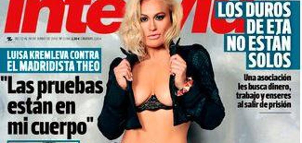 La directora de una sucursal bancaria se desnuda en 'Interviú'