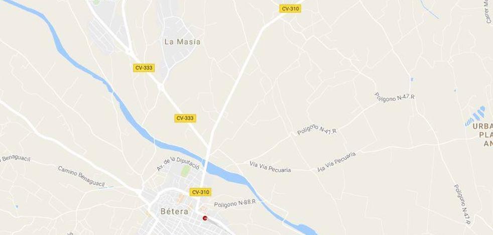 Herido un ciclista de 24 años tras chocar con un coche de camino al trabajo en Bétera
