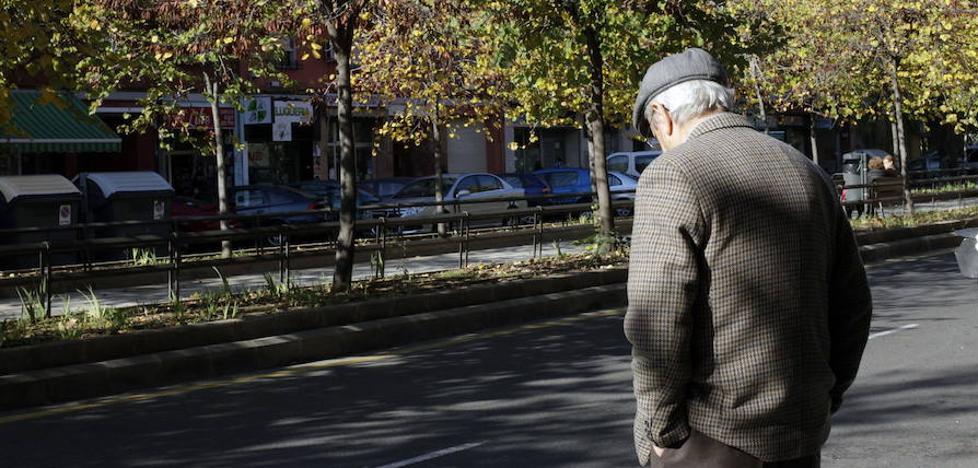Uno de cada cuatro mayores de Valencia vive solo en su casa