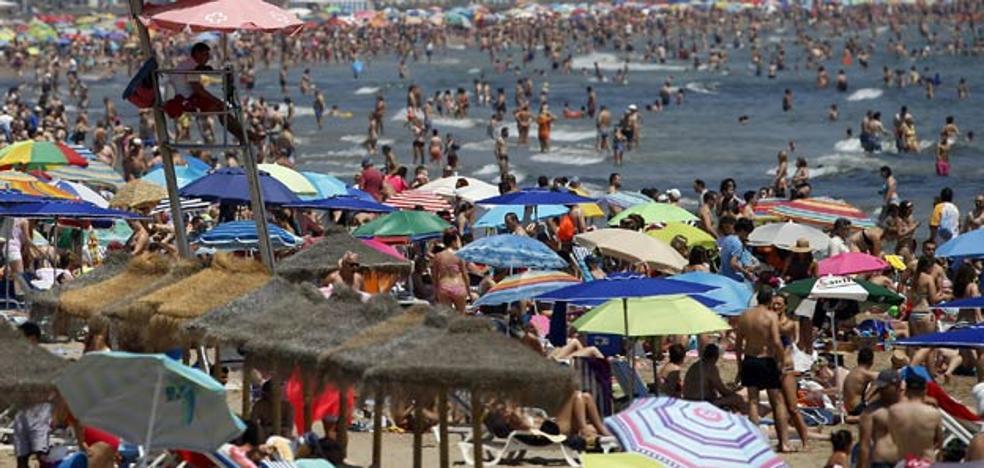 La provincia de Valencia supera los 40º y «sigue subiendo»