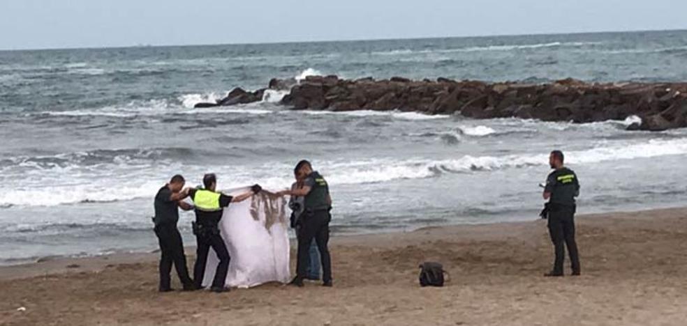 Hallan muerto a un bañista en aguas de Port Saplaya