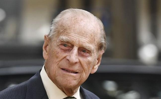 El duque de Edimburgo ya está en casa