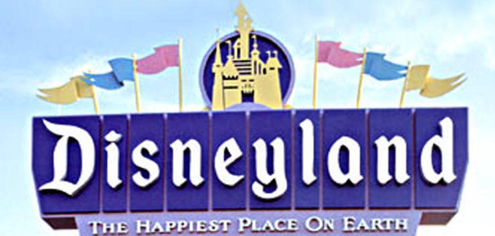 Un hombre visita Disneylandia 2.000 días seguidos