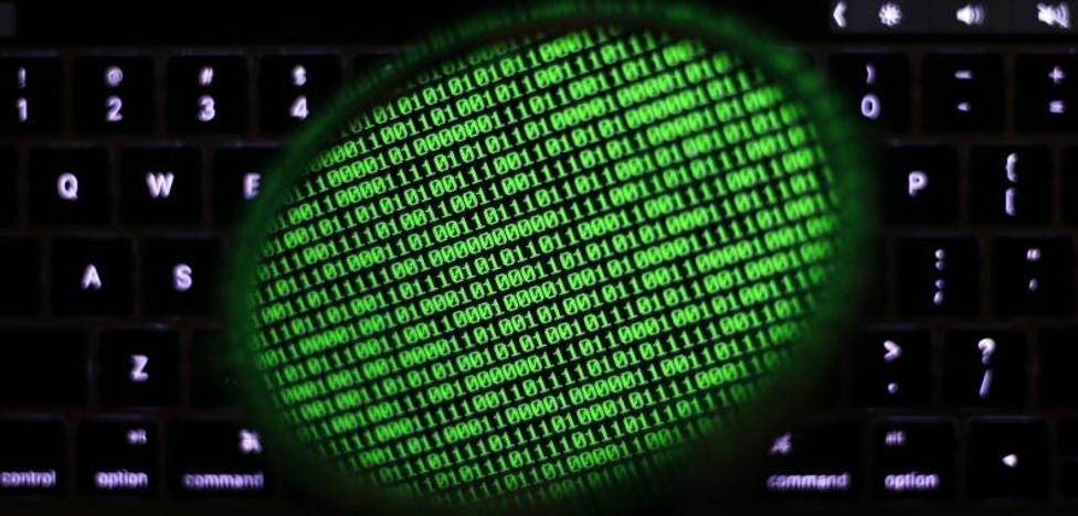 El CNI avisa a los operadores de que el virus solo infecta con la descarga de archivos de correos