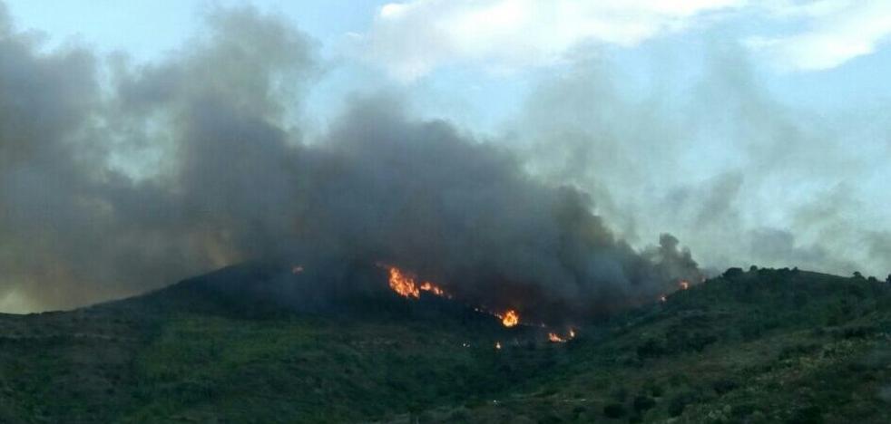 El fuego amenaza a la Sierra Calderona
