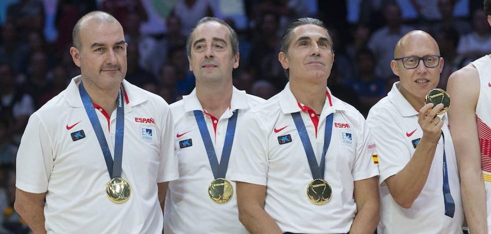 El segundo entrenador de Pedro Martínez en Valencia Basket se queda a las órdenes de Txus Vidorreta