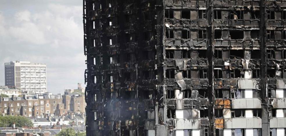 La Policía británica eleva a 80 los muertos en la Torre Grenfell