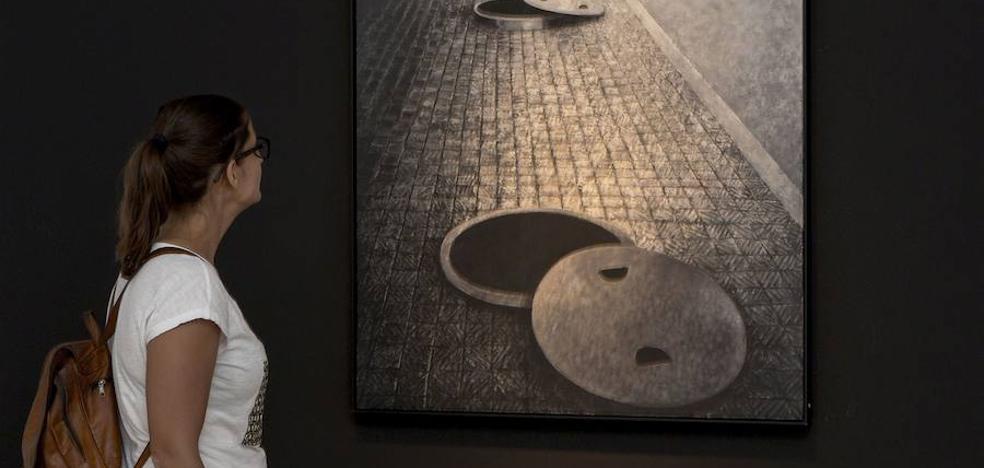 Anzo entra «por la puerta grande» en el IVAM con la exposición de sus 'Aislamientos'