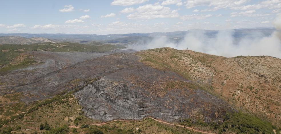 El incendio en la Calderona, estabilizado tras arder 1.300 hectáreas