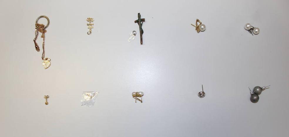 La Policía pide la colaboración ciudadana para recuperar joyas extraviadas en el Hospital de Manises