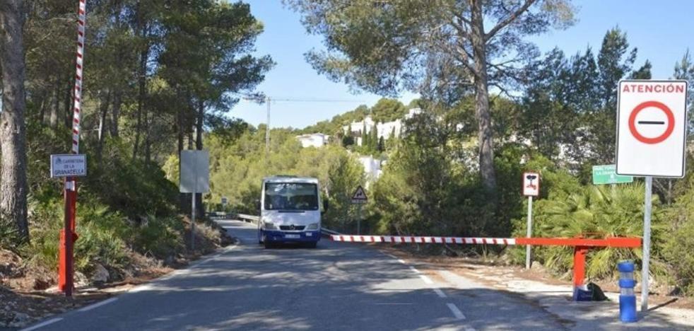 Acceso y horarios del servicio de autobús gratuito hasta la cala de La Granadella de Xàbia