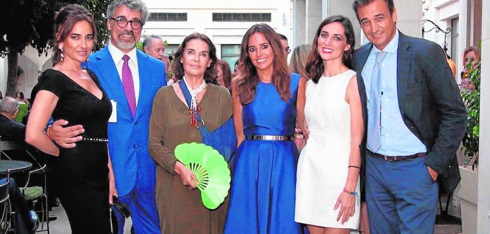 Carmen Alcayde, premio a la profesionalidad