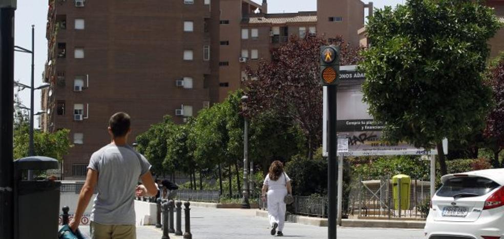 El concejal Giuseppe Grezzi instala semáforos que tampoco existen en el reglamento de circulación