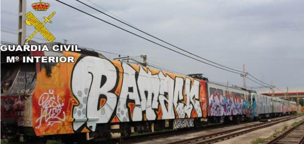 Diez detenidos por pintar en instalaciones del metro con daños por 109.000 euros