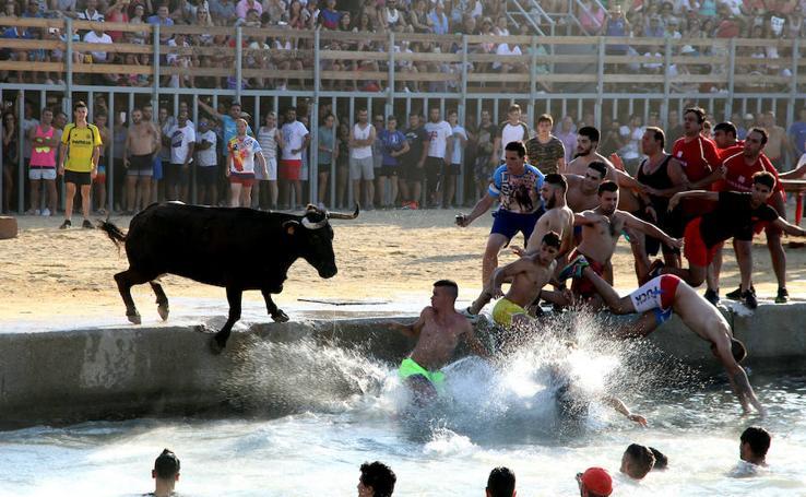 Fotos del primer día de bous a la mar en Dénia