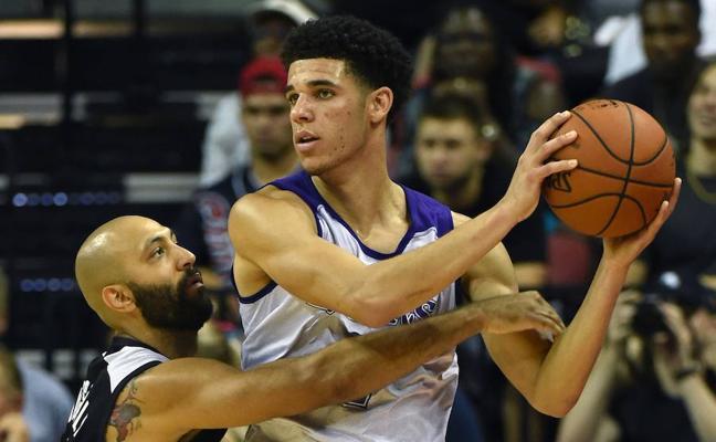 Lonzo Ball decepciona en su estreno con los Lakers
