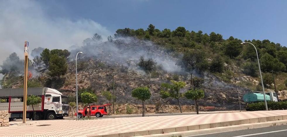 Un incendio calcina 60 hectáreas de monte en Tavernes
