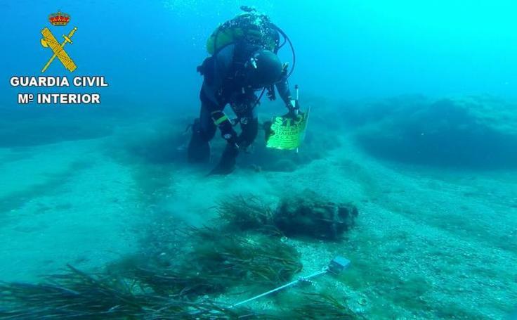 Fotos de la carga de profundidad encontrada frente a la isla de Tabarca