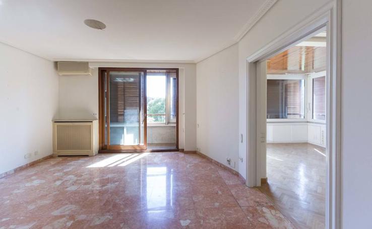 Fotos del piso donde vivió Rita Barberá que ahora sale a la venta por 850.000 euros