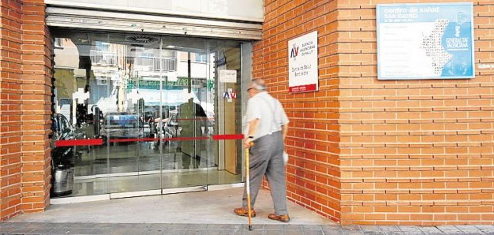 Directores de atención primaria en la Comunitat Valenciana piden médicos para el verano