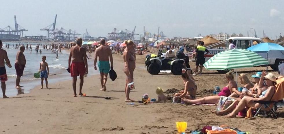 Un hombre de 70 años muere ahogado en la playa de la Malvarrosa de Valencia