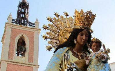 La imagen peregrina de la Virgen de los Desamparados visita la Marina Alta