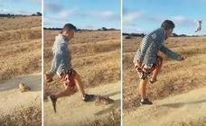 La Policía Nacional busca al joven que se grabó dando patadas a un conejo